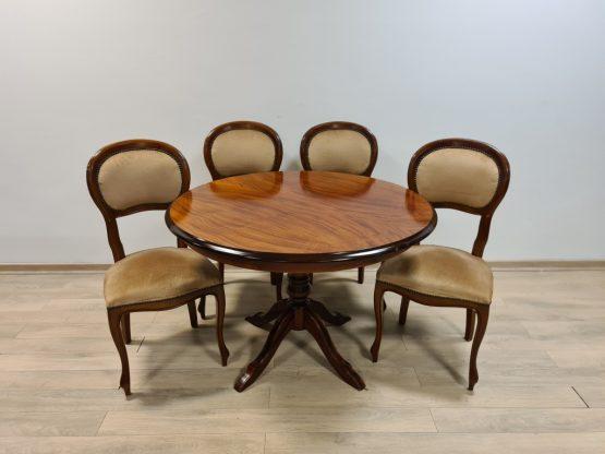 Stalas + 4 kėdės